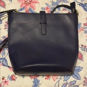 crown and ivy navy purse